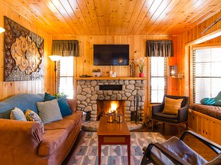 Get Lost Inn cabin in Green Valley Lake just 4 miles to Snow Valley Ski Resort..