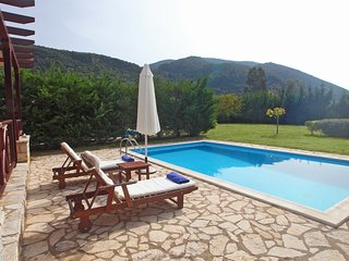 1 bedroom house with privare pool