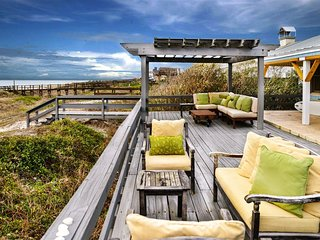 Charming Oceanfront Beachhouse