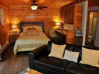 Delightful Cottage #3, Great Fishing & For Couples