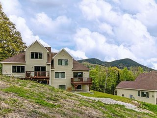 NEW: ON THE TRAIL at Black Mountain! 3 BR, Central AC, Wifi, Mountain Views!