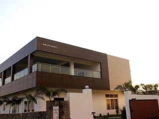 Venture Beach House ECR