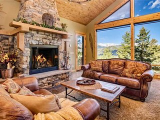 Aspen Leaf Chalet Luxury Vacation Home at Windcliff
