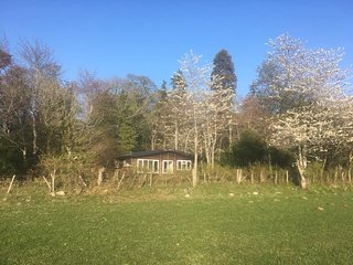 Reelig holidays - Burnside, Peaceful chalet, views to the west, good local walks