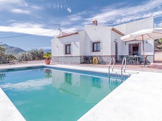 Stunning home in Periana w/ Outdoor swimming pool, WiFi and 3 Bedrooms