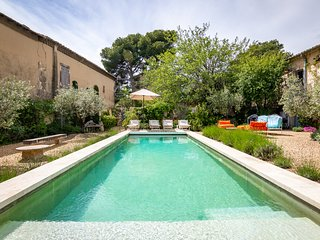 Maussane-les-Alpilles Villa Sleeps 10 with Pool and Air Con - 5678525