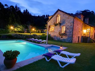Baiona Villa Sleeps 8 with Pool and WiFi - 5802833