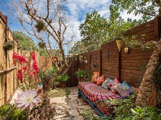 Romantico studio con jardín a pocos metros de la playa!