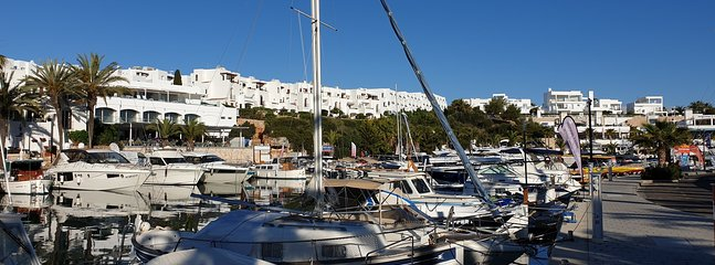 The apartment is located directly in the Marina Cala d'Or.