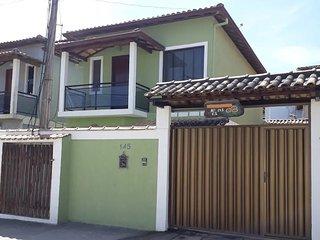 Casa Duplex 3 quartos 2 suítes - 1 suite com banheira de hidromassagem