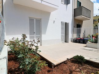 Holiday house Villetta Chitasta with outdoor space and climate a stone's throw f