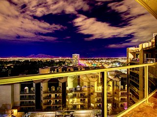 888 U # 2, 3 BR 2 Bath Convention Center Condos.