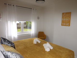 ⭐️Klass Living -  Anderson Apartment, Motherwell⭐️ - | Book Direct for Best Rates