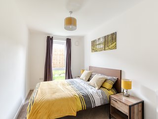 Modern 2 Bed Apartment in Central City