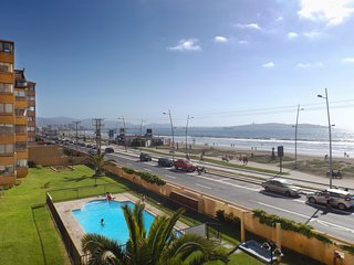 La Serena Apartment Sleeps 5 with Pool and WiFi - 5802562