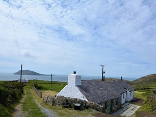 64857 Cottage situated in Aberdaron (2mls SW)