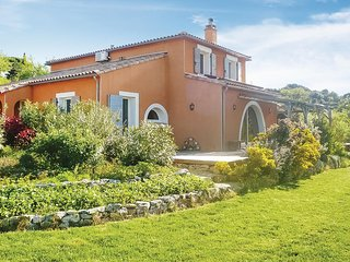Awesome home in Felines Minervois w/ Outdoor swimming pool, Outdoor swimming poo