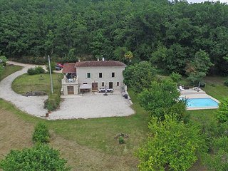 Secluded ground floor farmhouse apartment in 3 hectares, with private pool and f