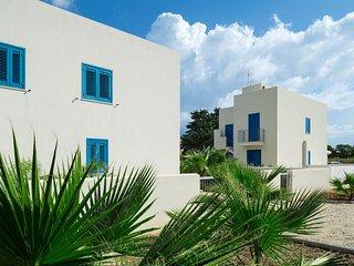 San Vito Lo Capo Villa Sleeps 6 with Air Con and WiFi - 5802365