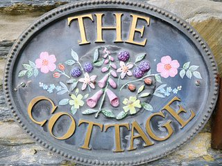 The Ferns Cottage - Cosy Traditional Welsh Cottage