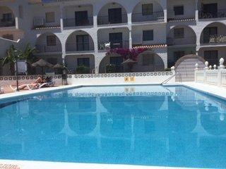 """Nr La Cala, El Faro 'Casa Miel"""" Ground Floor 2 bed apartment with communal pool., holiday rental in La Cala de Mijas"""