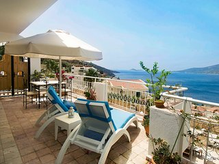 MANZARALI ( with a panoramic sea view) Komurluk Apartments, Kalkan