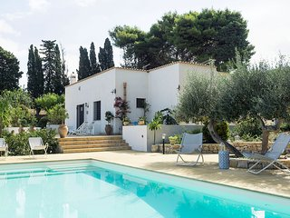 3 bedroom Villa with Pool, Air Con and WiFi - 5798423