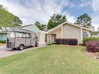 Linkside 475 - 6 psn GOLF CART, private grill, single family home, Free WIFI