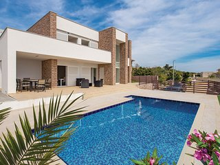 Amazing home in Novalja w/ Outdoor swimming pool, Outdoor swimming pool and 4 Be