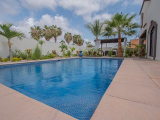 Luxurious Oceanview Home 5 Mins from the Beach w/ Large Pool and Rooftop Jacuzzi