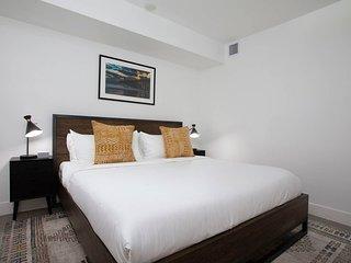 Modern 1 Bed Apt in East Village