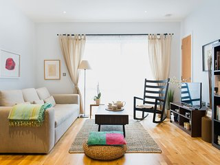 Romantic Balcony Apartment with beautiful views in vibrant East London