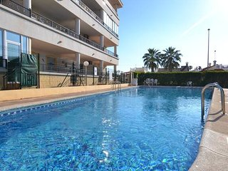 2 Bedroom Apartment with pool and beach