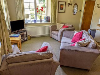 THE APARTMENT, en-suite facilities, open plan living area, pet-friendly