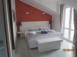Deluxe BB Room7 with balcony and sea/pool view