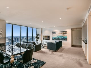 Sanctuary Apartments - Freshwater Place - Superior 3 Bedroom Apartment