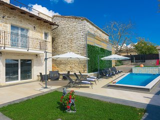 Beautiful Villa Patrick, in Istria, with a Pool