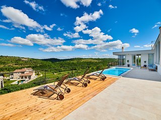 Luxurious Villa San Mauro, in Istria, with a Pool
