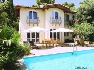 Detached villa with own pool and garden 300 m away from sandy beach, free wi-fi.