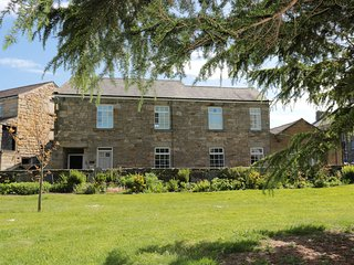 ST. LAWRENCE REST, close to amenities, all ground floor, WiFi, Warkworth, Ref