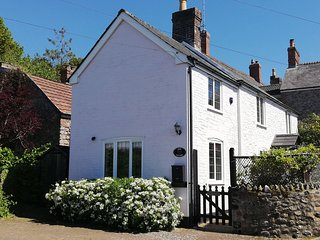 ROSE COTTAGE, link-detached period cottage, woodburner, off road parking