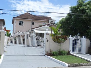 Leon's Luxury Montego Bay holiday Home
