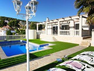 Chalet con piscina privada (16 personas)