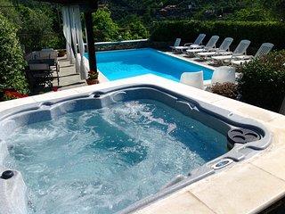 Villa Daphne con piscina privata e jacuzzi vicino al mare e Portofino