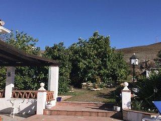 LAS PALMERAS.  Immaculately presented spacious 3 bedroom country villa