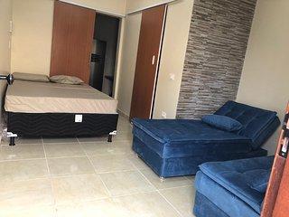 Flat em Porto de Galinhas (climatizado, split, quarto/sala, cozinha e wc)