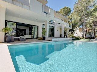 MODERN Villa La Mar with SALTY WATER POOL, TERRACE & partially SEA VIEWS