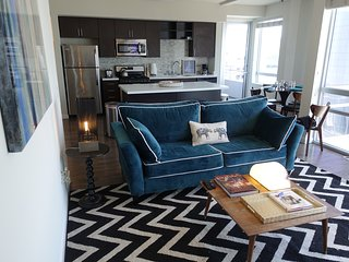 7 ★BEST Downtown Condo at Convention Center/Staples