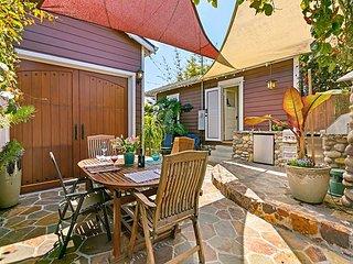 University Heights Bungalow w/ Outdoor Kitchen & Patio - Great Walkability