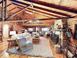 Classic Waterfront 5BR Sprucewold Cabin overlooking Linekin Bay